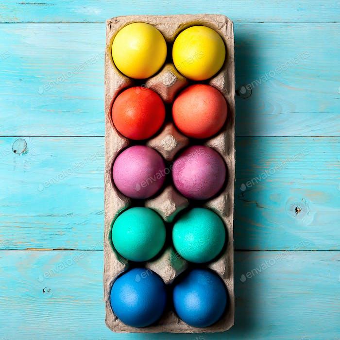 Ostern Konzept, Draufsicht, blaues Holz