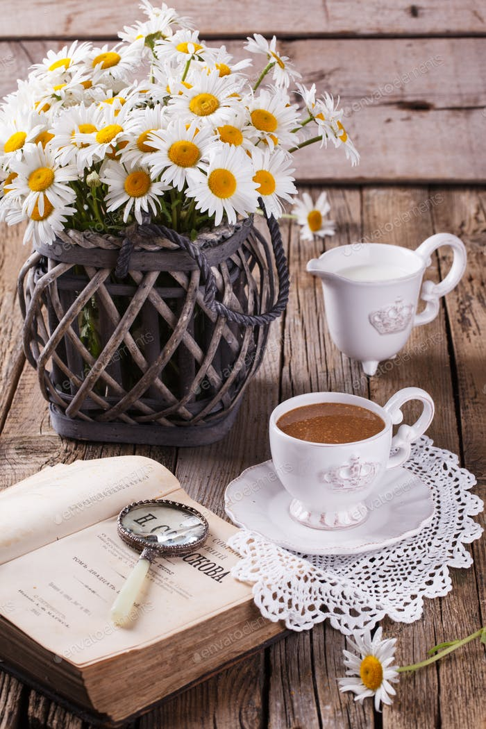 Kaffee mit Milch, Frühstück am Morgen