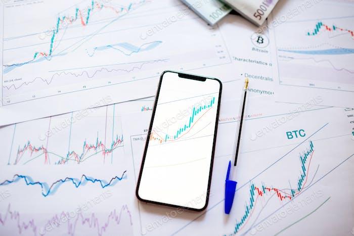Investition Börsenmakler Kursentwicklung und Gewinn