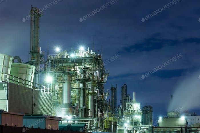 Fabrik in der Nacht in Kawasaki