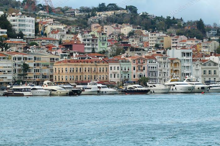 Blick auf Istanbul von einem Boot