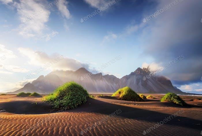 Berühmte Stokksnes Berge
