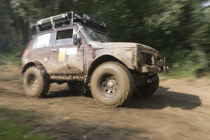 SUV geht Offroad, Off-Road-Sport