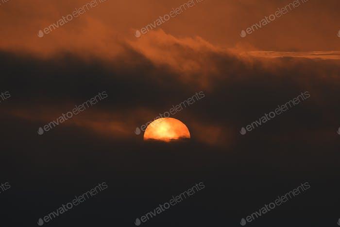 Big colorful setting sun