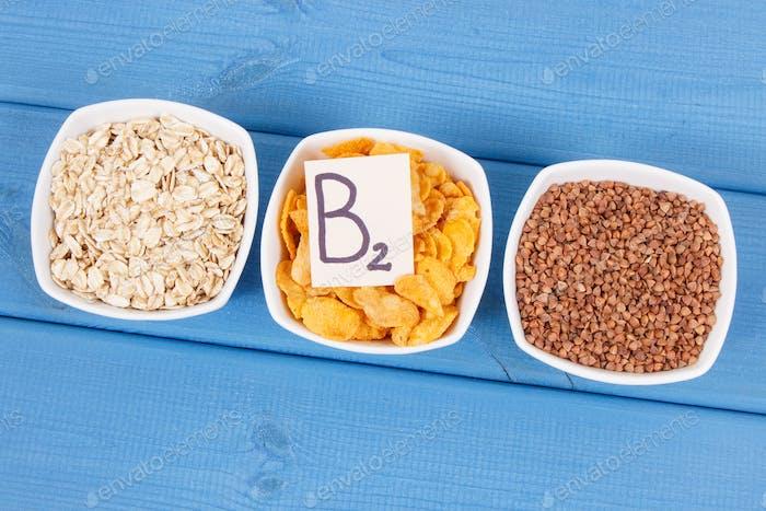 Buchweizen, Cornflakes und Haferflocken als Quelle Mineralien, Vitamin B2 und Ballaststoffe, nahrhafte Ernährung