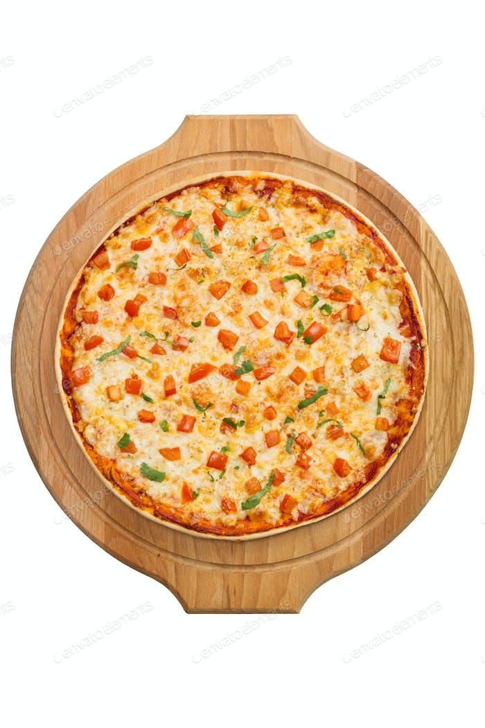 Pizza Margherita auf einem Holztablett