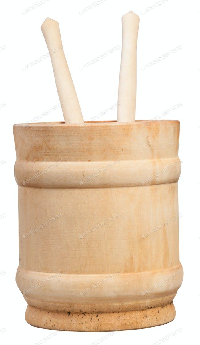 Seitenansicht Holzbecher mit zwei Löffeln isoliert