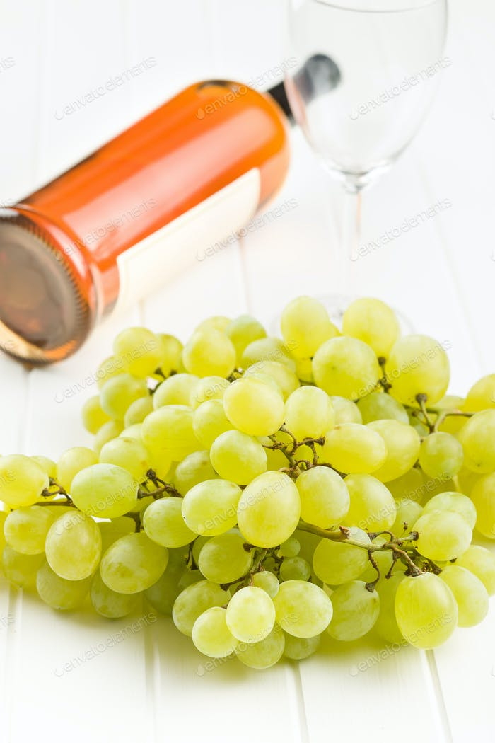Tasty green grapes. White grape and white wine.