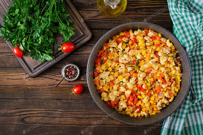 Mexican chilli from chicken with sweet pepper and corn.