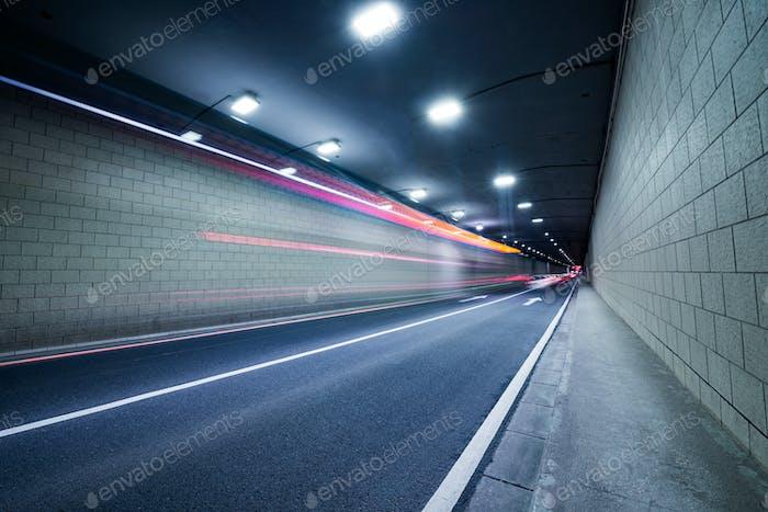 Tunnelleuchte