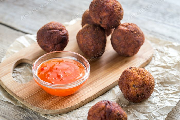 Chicken meatballs with spicy thai sauce