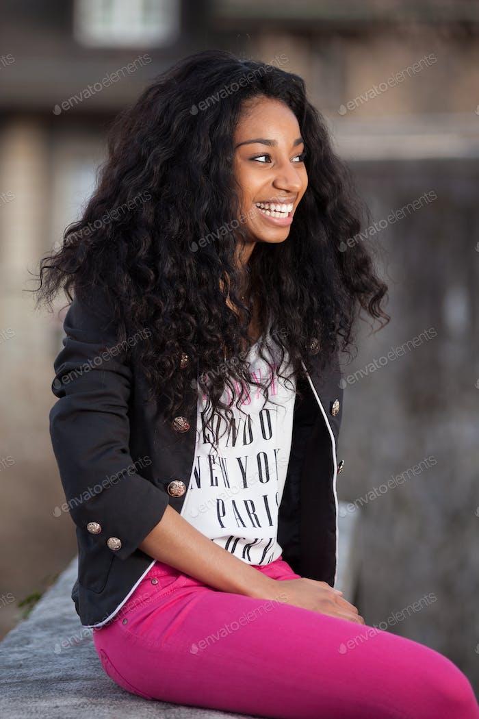 schön afrikanische amerikanische Teenager Mädchen