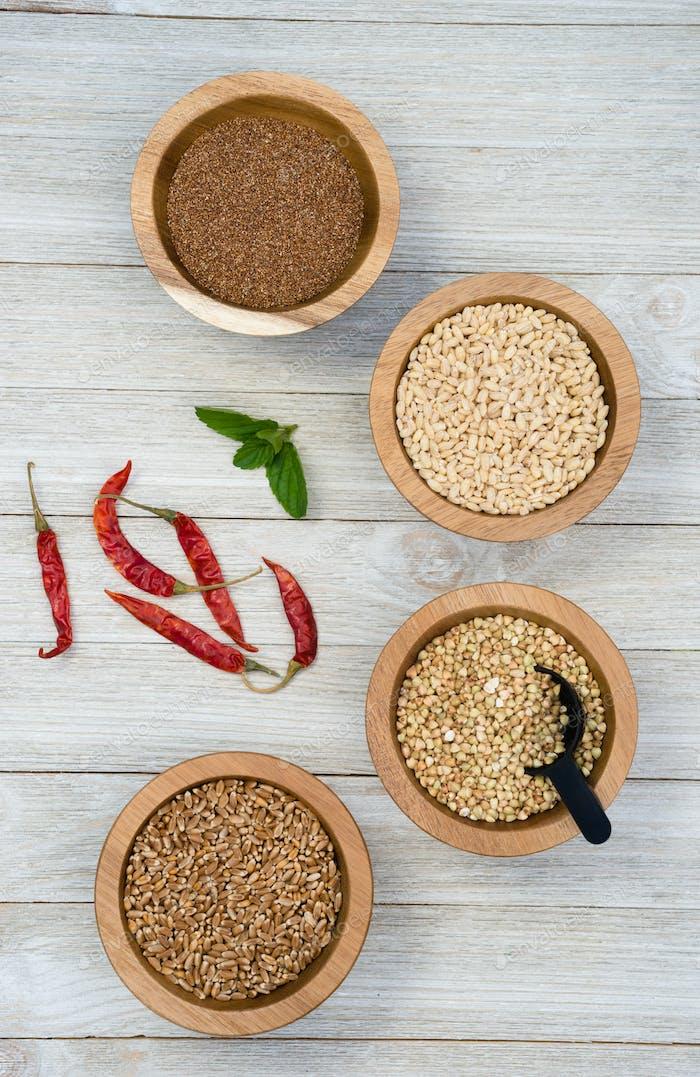 Vollkornprodukte und Paprika Superfoods