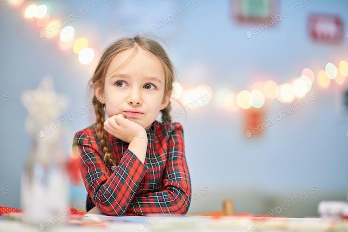 Портрет Продуманного Маленькая Девочка