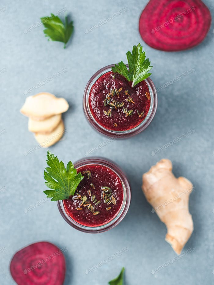 Fresh beetroot and ginger smoothie