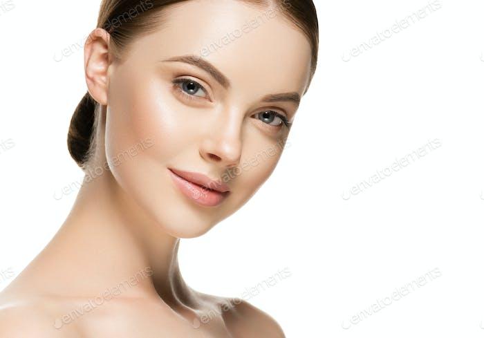 Schönheit Frau natürliche frische Haut sauber schöne kosmetische Spa-Konzept weibliche Porträt