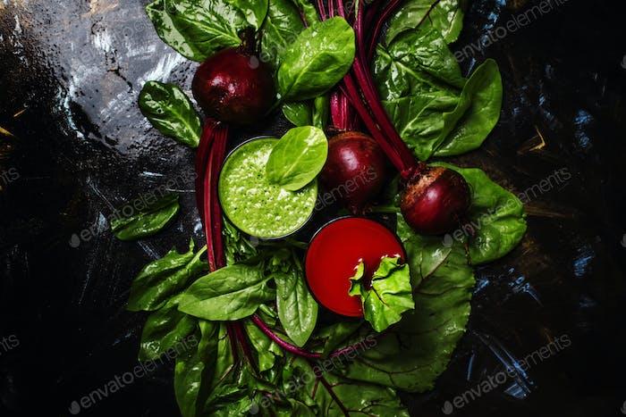 Gesunde Smoothies aus Spinat und Rüben