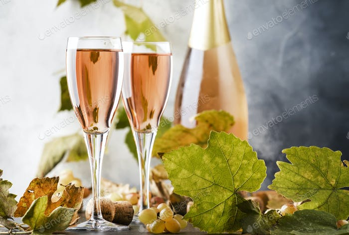 pink champagne glasses