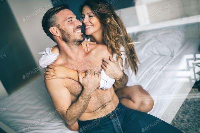 Schönes Paar leidenschaftlich