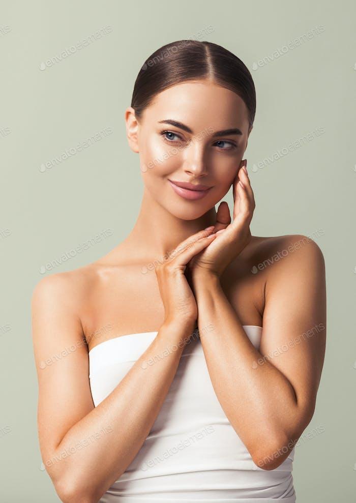 Feamale Kosmetik Saubere Haut Schönheit Porträt