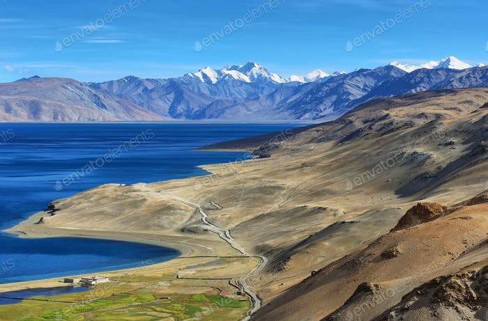 Himalaya-See Tso Moriri am Nachmittag. Korzok, Ladakh, Indien