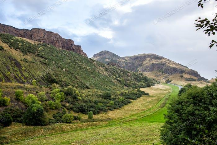 hermosas montañas escocesas