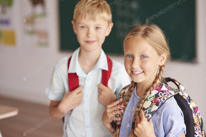 Zwei Schüler in der Klasse