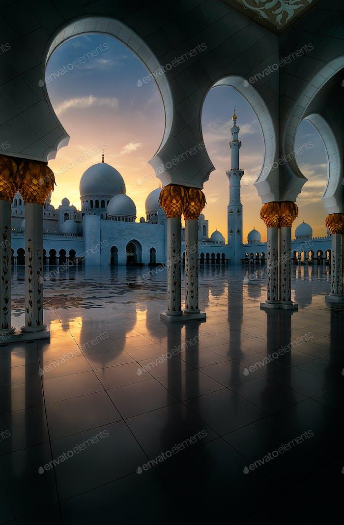 Sunset view at Mosque, Abu Dhabi, Emiratos Árabes Unidos