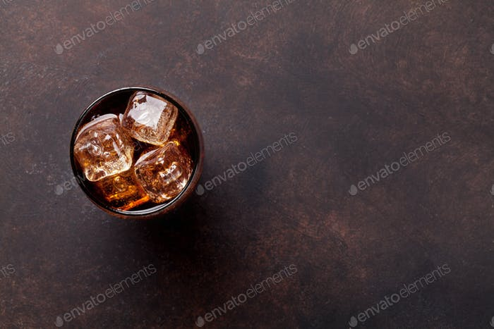 Cola glass with ice