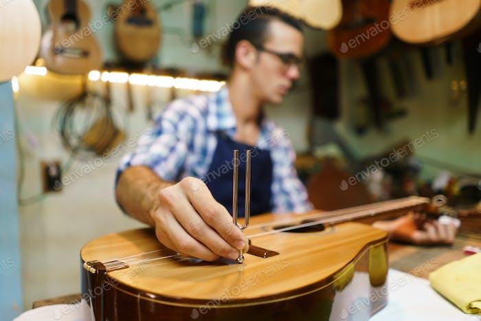 Artisan Lutemaker - Guitarra clásica hecha a mano con diapasón