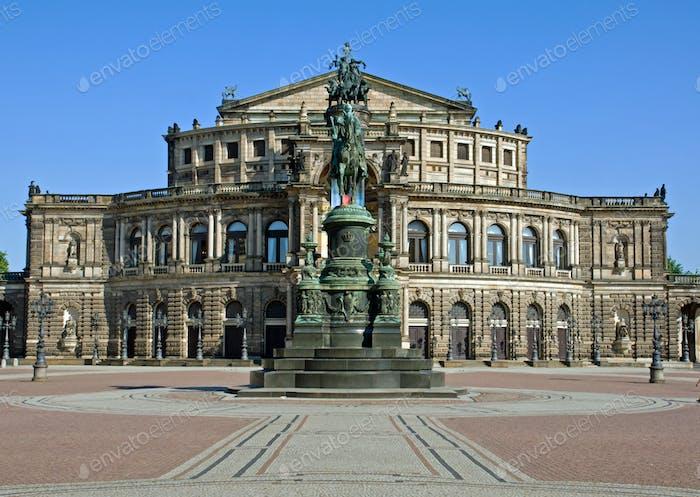 El Semperoper en Dresde