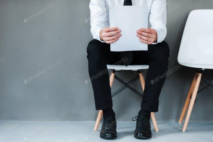 Ich warte auf ein Interview.