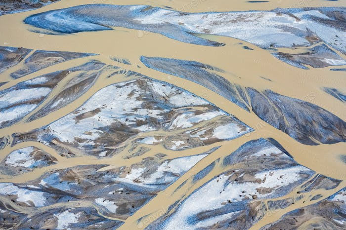 riverbed closeup in kunlun river