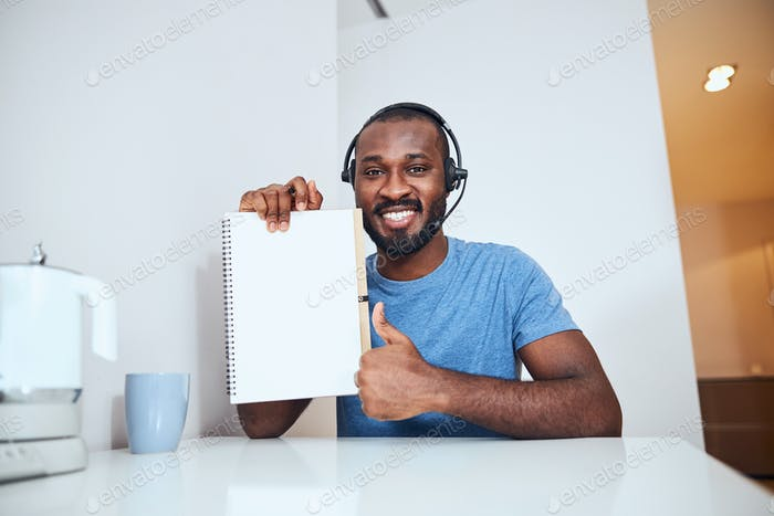 Worker approving of the notepad page contents