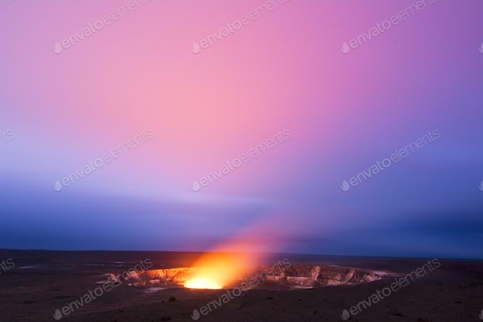 Volcán Kilauea por la Noche