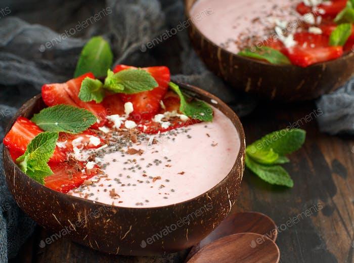 Strawberry smoothie bowls