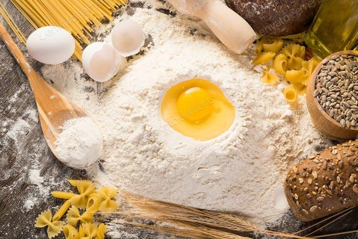 harina, huevos, trigo naturaleza muerta