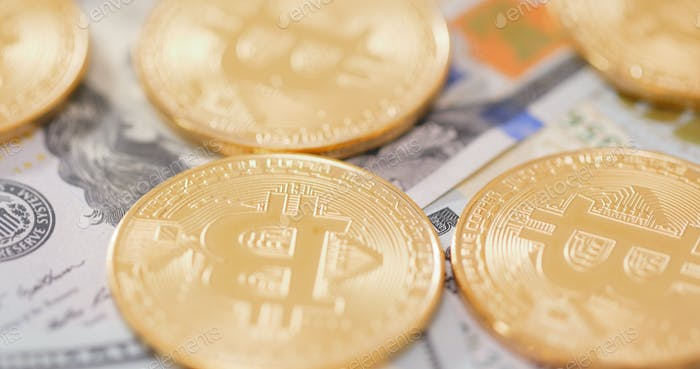 Bitcoin en billetes de papel de Estados Unidos