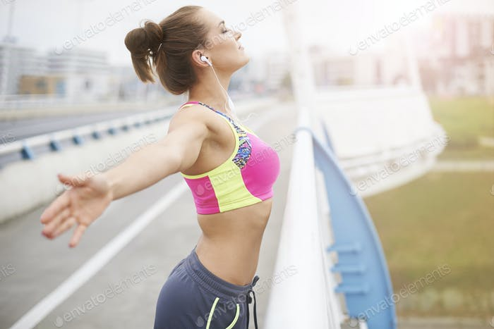 Jogging gives me a lot of energy