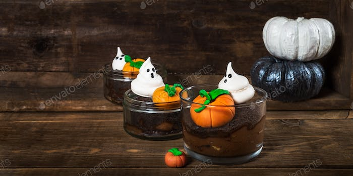 Chocolate Dirt Pudding for Halloween with Meringue Ghosts