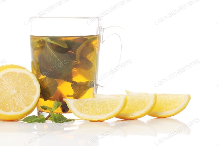 Tea with fresh fruits