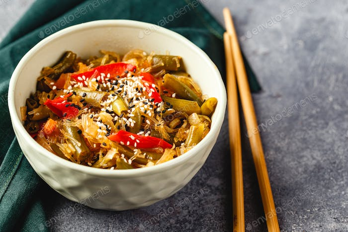 Noodles and green beans.