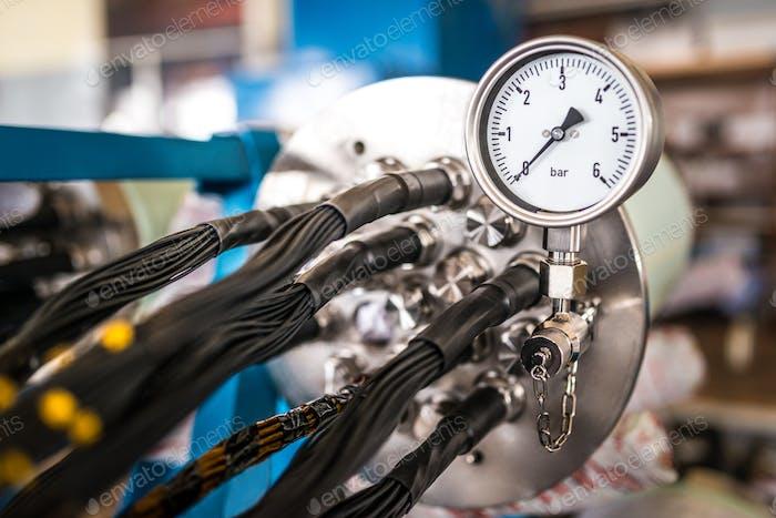 Industrielle zehn mit einem Temperaturregler