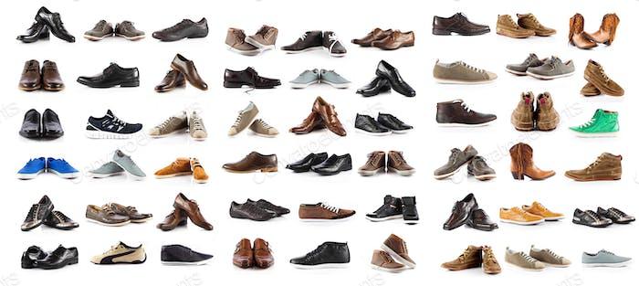 Sammlung von männlichen Schuhen über weißem Hintergrund