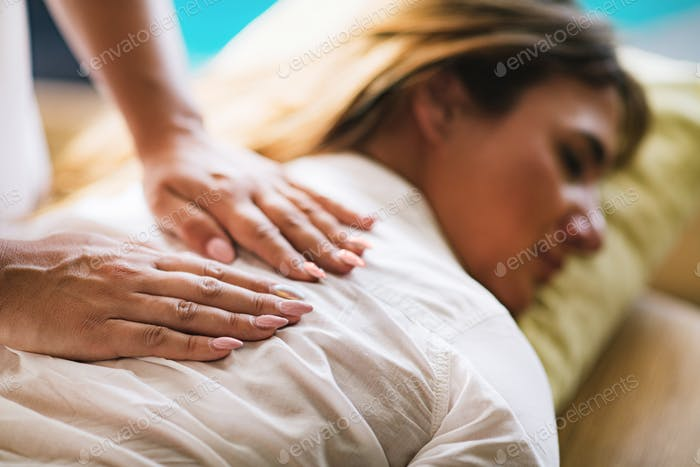 Reiki Back Therapy