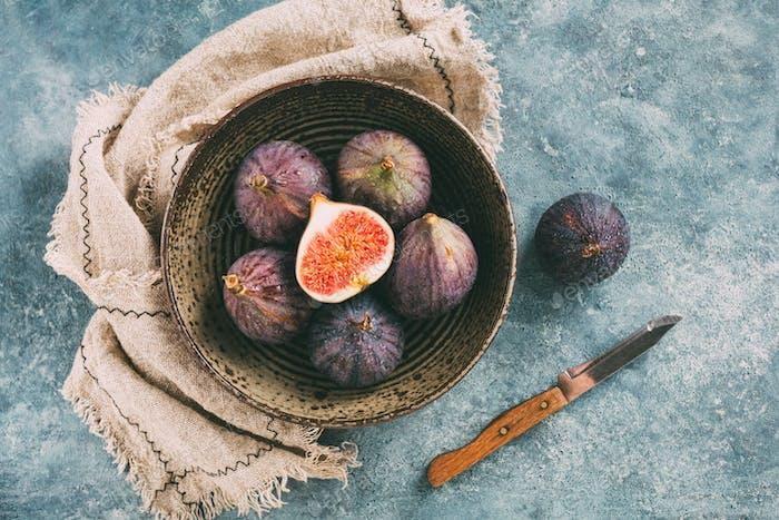 Fresh ripe figs in a bowl