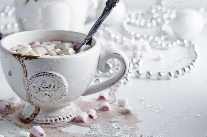 Weihnachtskakao mit Marshmallows