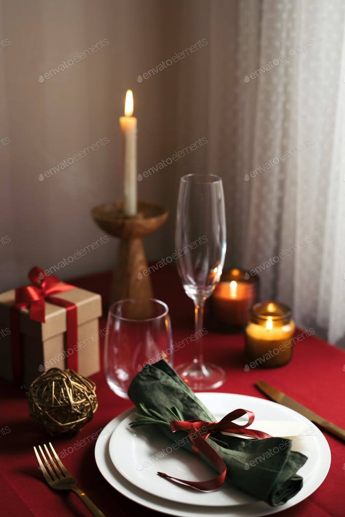 Christmas Table Setting For One Person.