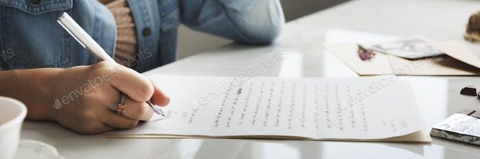 Mädchen Schreiben Brief Home Concept