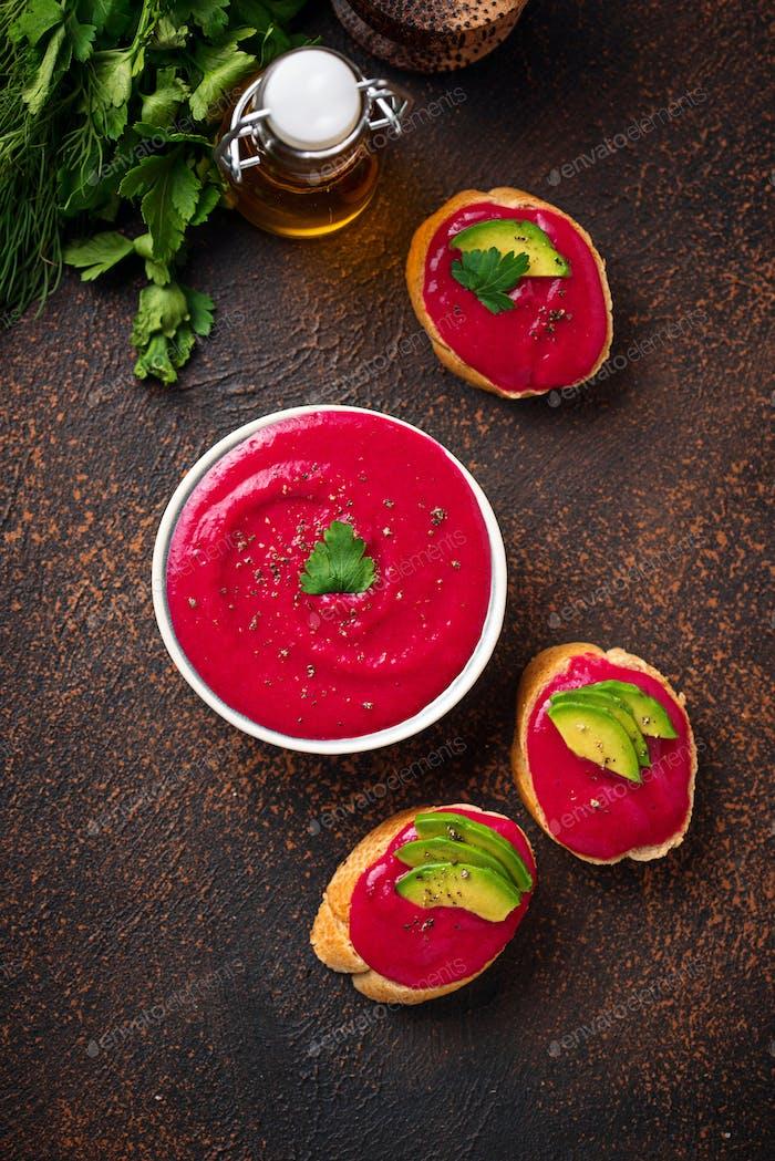 Hummus de remolacha. Aperitivo vegano saludable  .